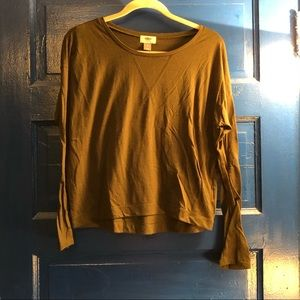 Old Navy linge sleeve t shirt - M